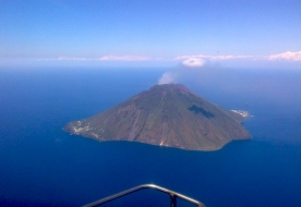 stromboli helicopter tour -