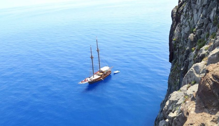 Boating holidays Holiday in Sicily -Cruise Eolie