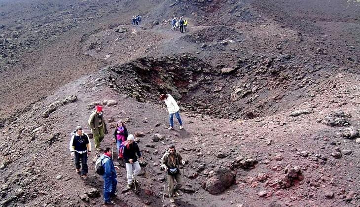 hiking Etna - sicily nature