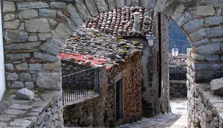 Hiking in Italy - adventure trips