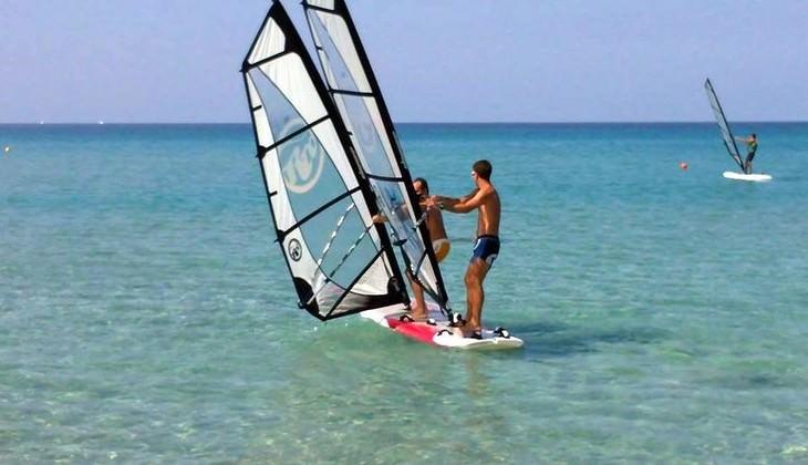 Windsurf classes Italy - windsurfing spot