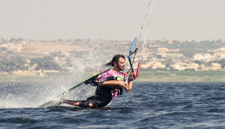 Kitesurf Sicily - learning to kitesurf