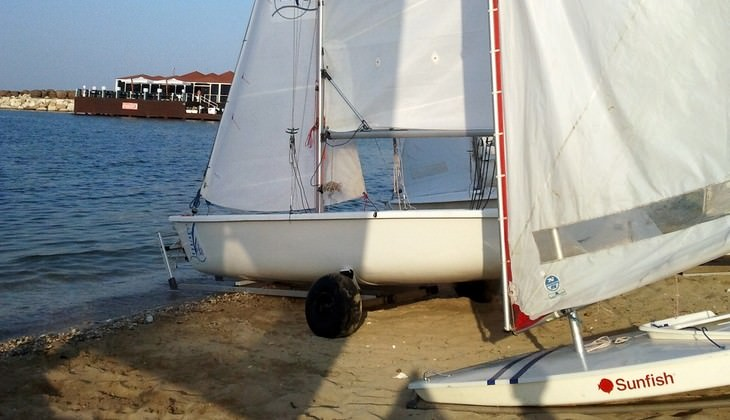 Sailing classes in Italy - sailing beginners