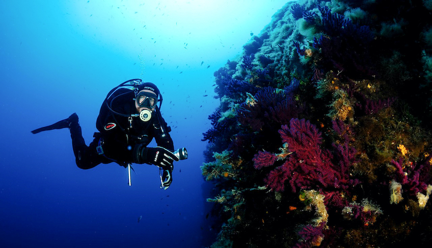 Sport & Adventure Holiday in Sicily -Diving in Sicily
