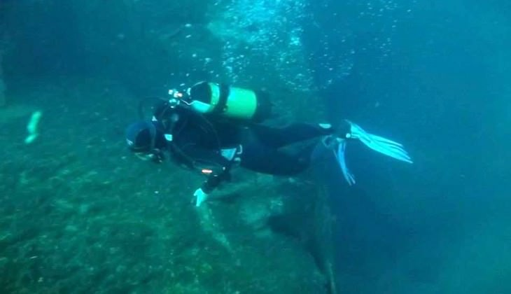 Diving in Sicily - dive master