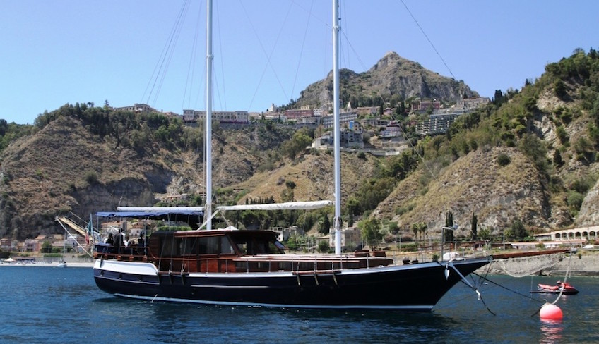 Boating holidays Holiday in Sicily -Hiking Taormina