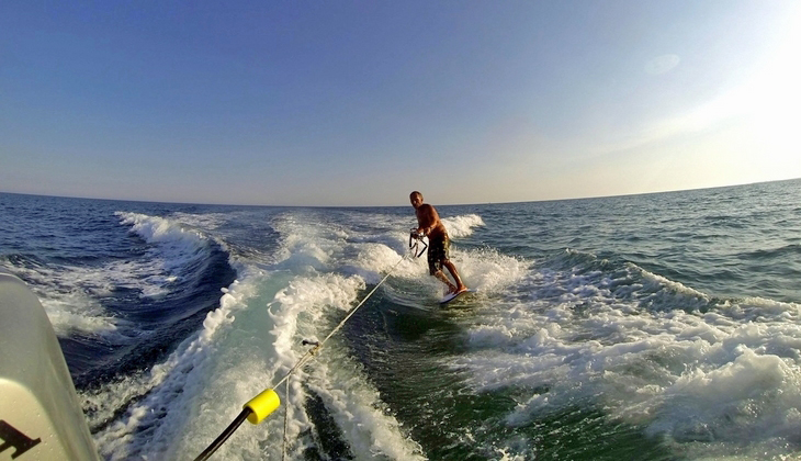Sport & Adventure Holiday in Sicily -Wakeboard