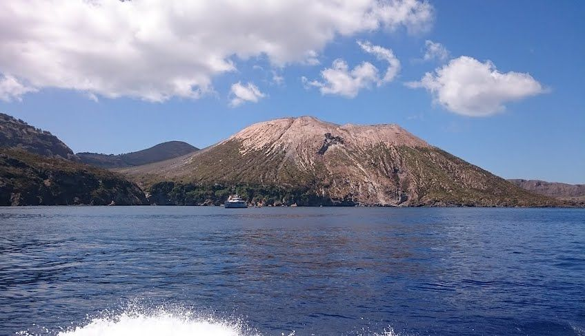 aeolian islands yacht charter - aeolian islands day trip