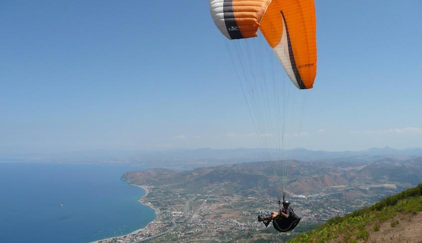 Sport & Adventure - Holiday in Sicily - italian paragliding