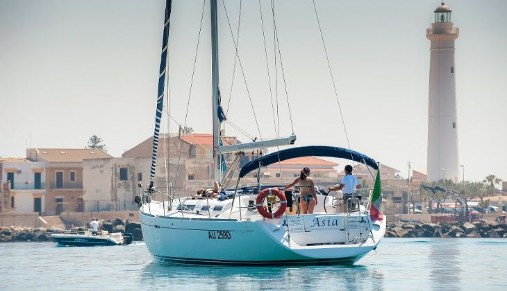 1-Day Yacht Cruise - Tour in Barca a Vela